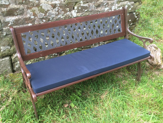 Bespoke outdoor cushion for a garden bench